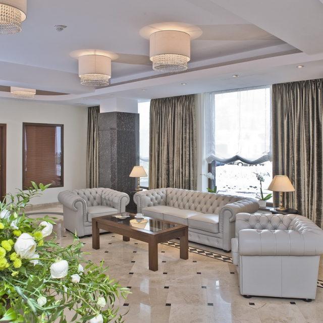 Receptia Hotelului Coroana Brasovului