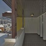 Balconul apartamentului iarna