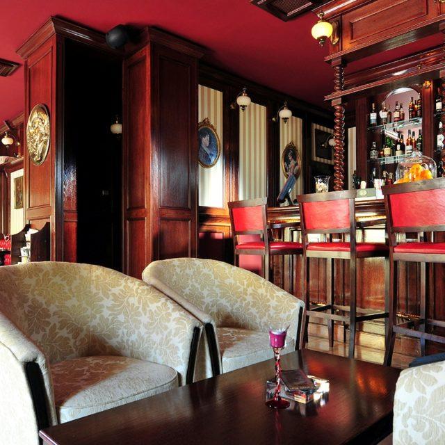 English Cigar Bar in Brasov
