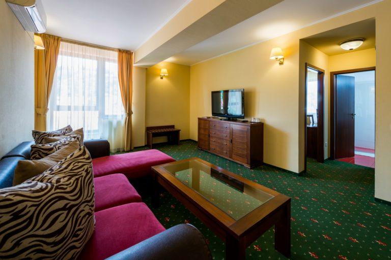 Cazare apartament in Centrul Vechi al Brasvului - Hotel Coroana Brasovului