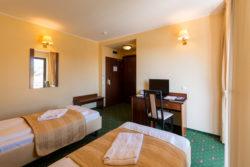 Camera dubla Twin - cazare Hotel Coroana Brasovului